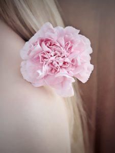 flower-1390664_1920